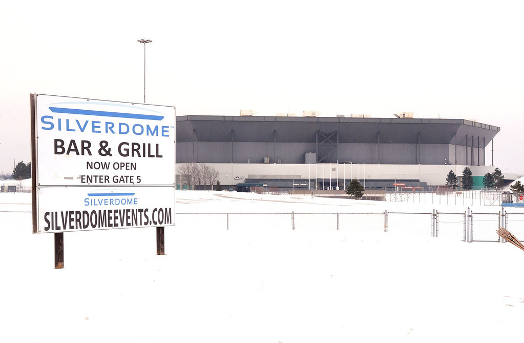 Description of . The Pontiac Silverdome, with it's roof deflated for scheduled repairs.   Thursday, January 3, 2013.   The Oakland Press/TIM THOMPSON