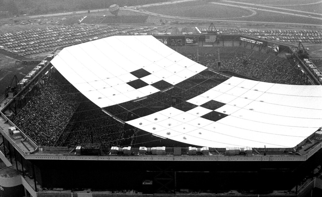 Description of . FILE PHOTO--Aug. 23, 1975--Opening night at the Pontiac Metropolitan Stadium (Pontiac Silverdome).  The stadium opened, even though the roof wasn't completed yet.