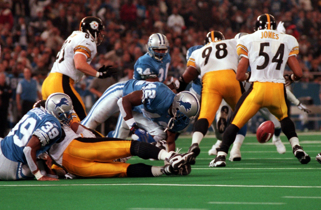 . Detroit Lions Lamar Campbell causes Pittsburgh\'s Richard Huntley to fumble a botched reverse on a kickoff in the fourth quarter of their game at the Pontiac Silverdome. The Lions recovered and converted it into a field goal to take the lead 16-13.