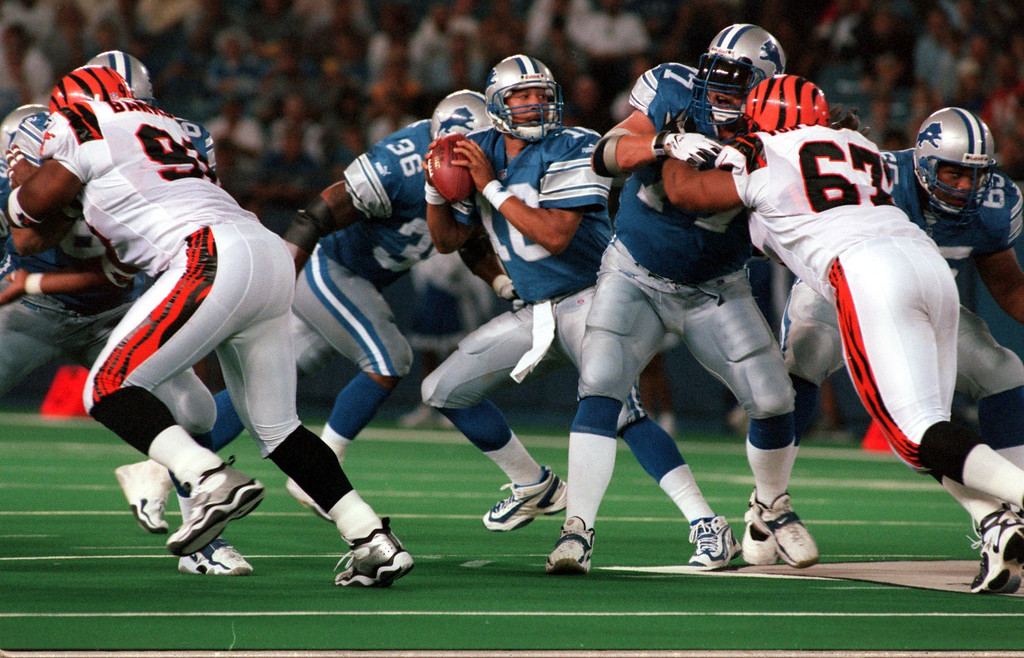 . Detroit Lions starting quarterback Charlie Batch   (10) looks down field for an open reciever in the first half during Friday night\'s preseason home opener against the Cincinnati Bengals.