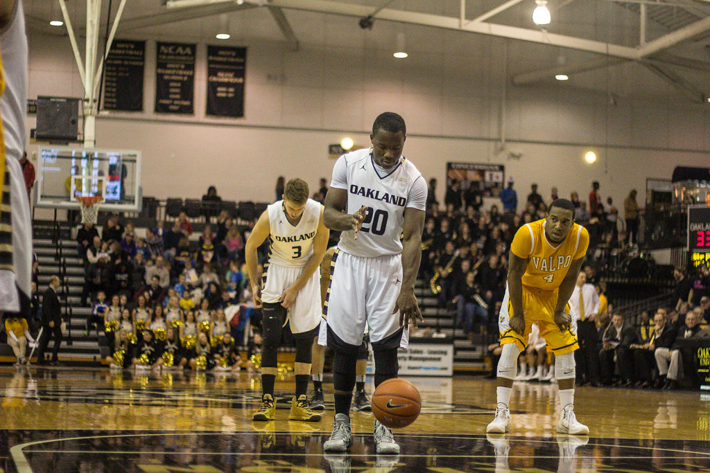 Description of . Felder preparing to shoot a free throw. Photo by Dylan Dulberg/The Oakland Press