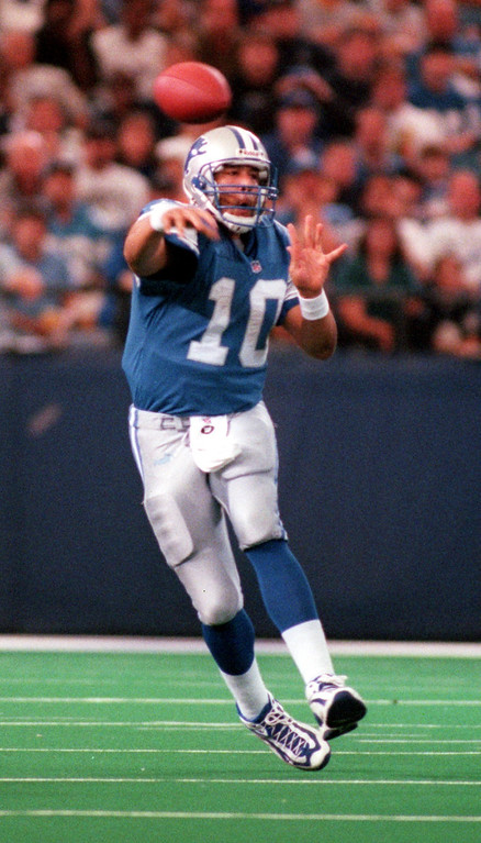 . Detroit Lions quarterback Charlie Batch fires a pass during second half action against the San Diego Chargers, Sunday, October 10, 1999.