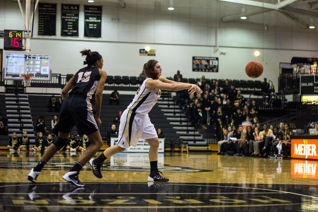 Description of . #44 Olivia Nash gets rid of the ball. Photo by Dylan Dulberg
