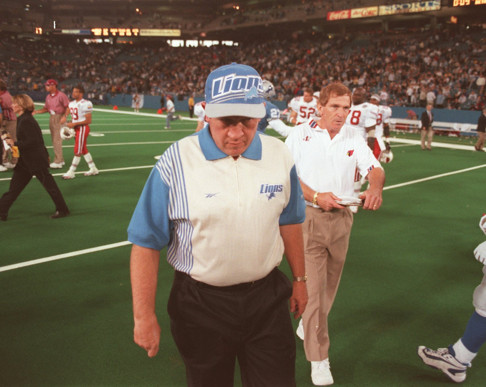 . Detroit Lions head coach Bobby Ross walks off the field after the Arizona Cardinals defeated the Lions 17-15 at the Silverdome Sunday, November 1.