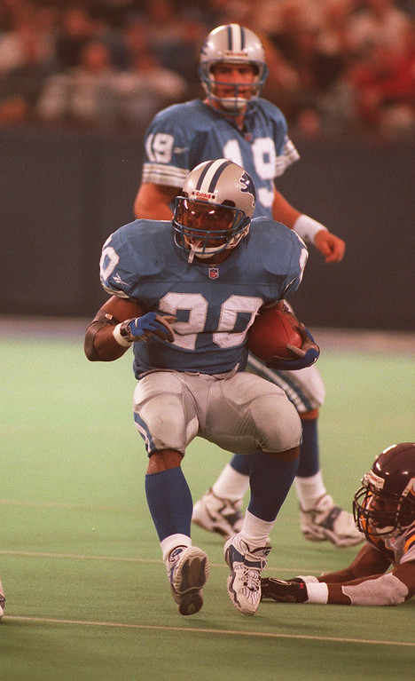 . Barry Sanders rushed 19 times for 108 yards against the Minnesota Vikings.