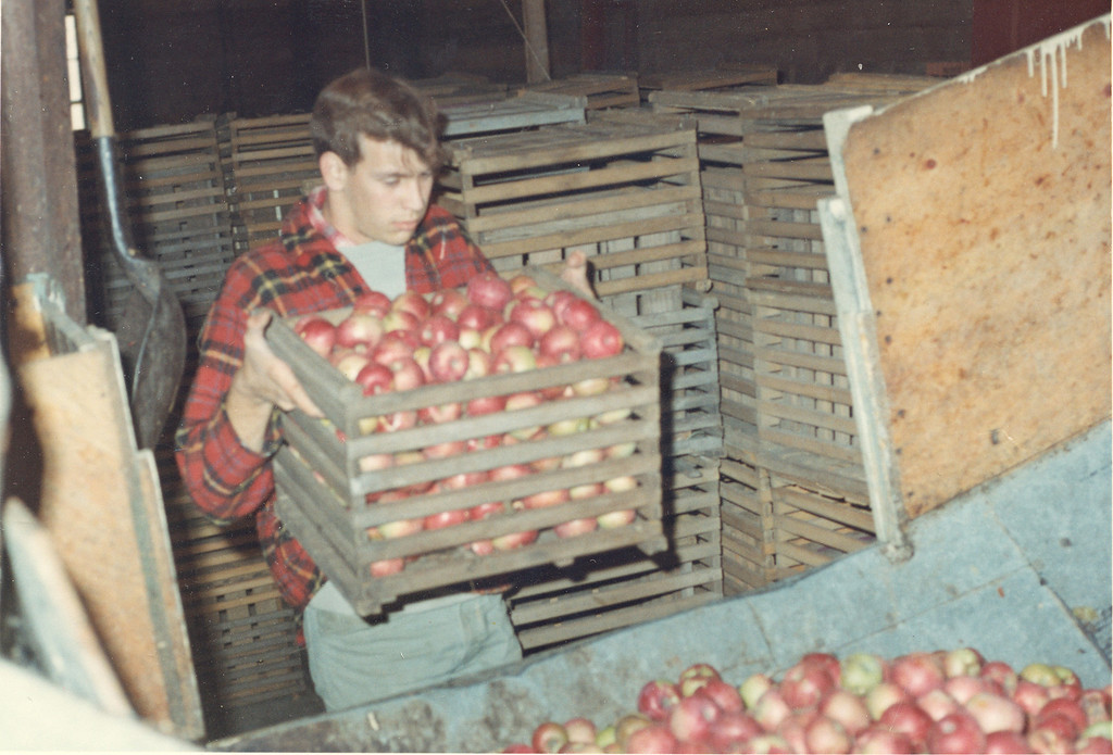 Description of . Yates Cider Mill in 1966.   Photos courtesy of Yates Cider Mill