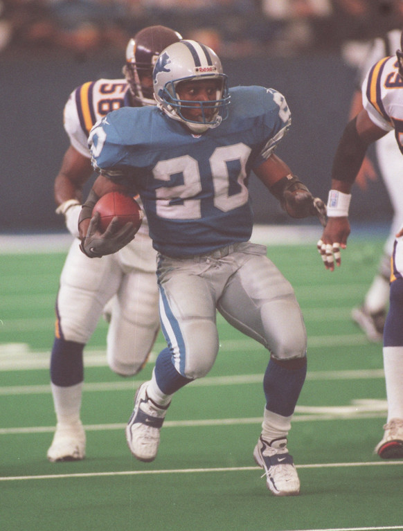 . Lions Barry Sanders picks up some yardage during the Lions 34-13 loss to the Minnesota Vikings at the Silverdome. Sanders ended up with 127 yards on 24 carries.