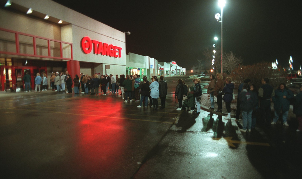 Description of . Early mourning bargain shoppers line up at the Targot store at Summit Place Mall in Waterford. Day after christmas sales drew the big crowds.