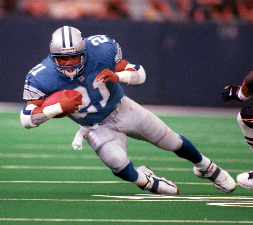 . Detroit Lions running back Greg Hill (#21) runs for yardage during third quarter action against the San Diego Chargers, Sunday, October 10, 1999.