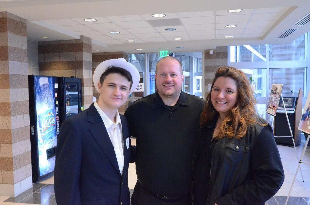 . Eric Gipson of Farmington High School with his family