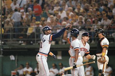 Baseball Professional  Game  Action  Celebrating Congratulation Teammates