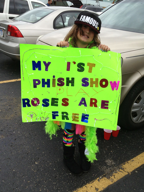 """. A Phish fan prepares for her \""""1\'st Phish Show.\"""" Photo by Gary Graff"""