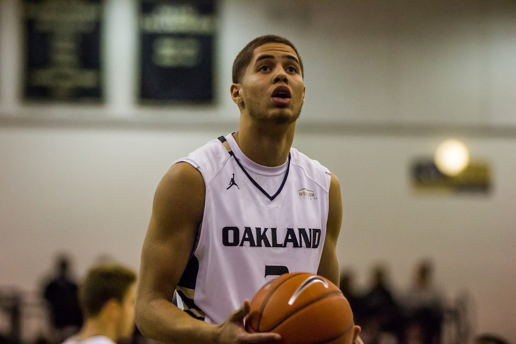 . Oakland forward Dante Williams pauses before making a free-throw attempt Tuesday, Oct. 29, 2013 at the Athletics Center O\'rena. Photo by Dylan Dulberg