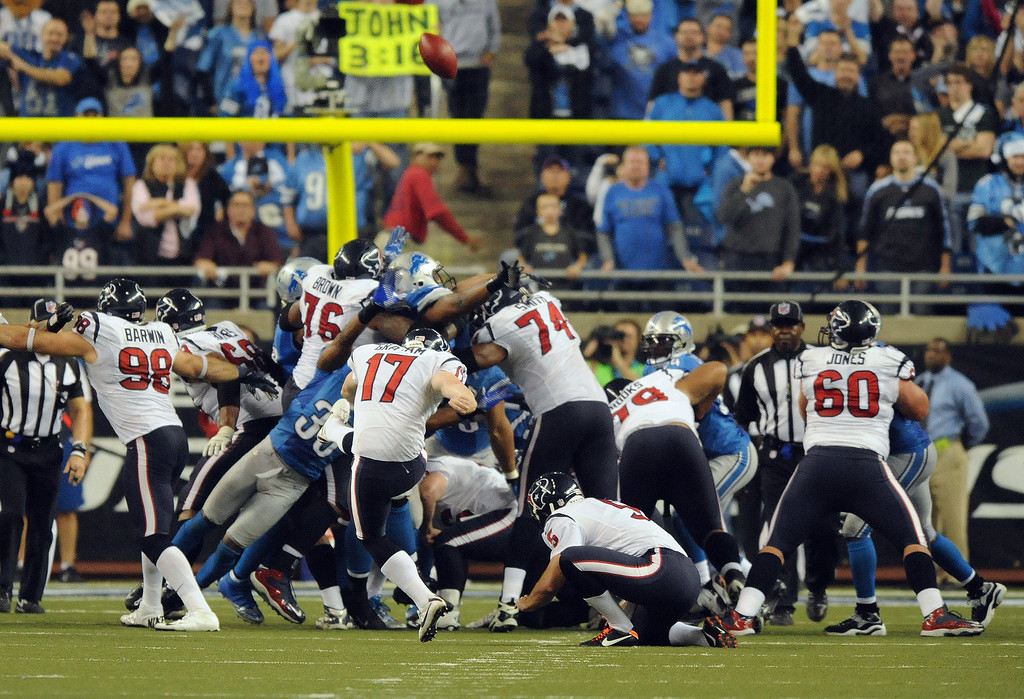 . Houston Texans kicker Shayne Graham makes the game winning field goal in overtime to beat the Detroit Lions,  34-31.  Photo taken on Thursday, November 22, 2012, at Ford Field in Detroit, Mich.  (Special to The Oakland Press/Jose Juarez)