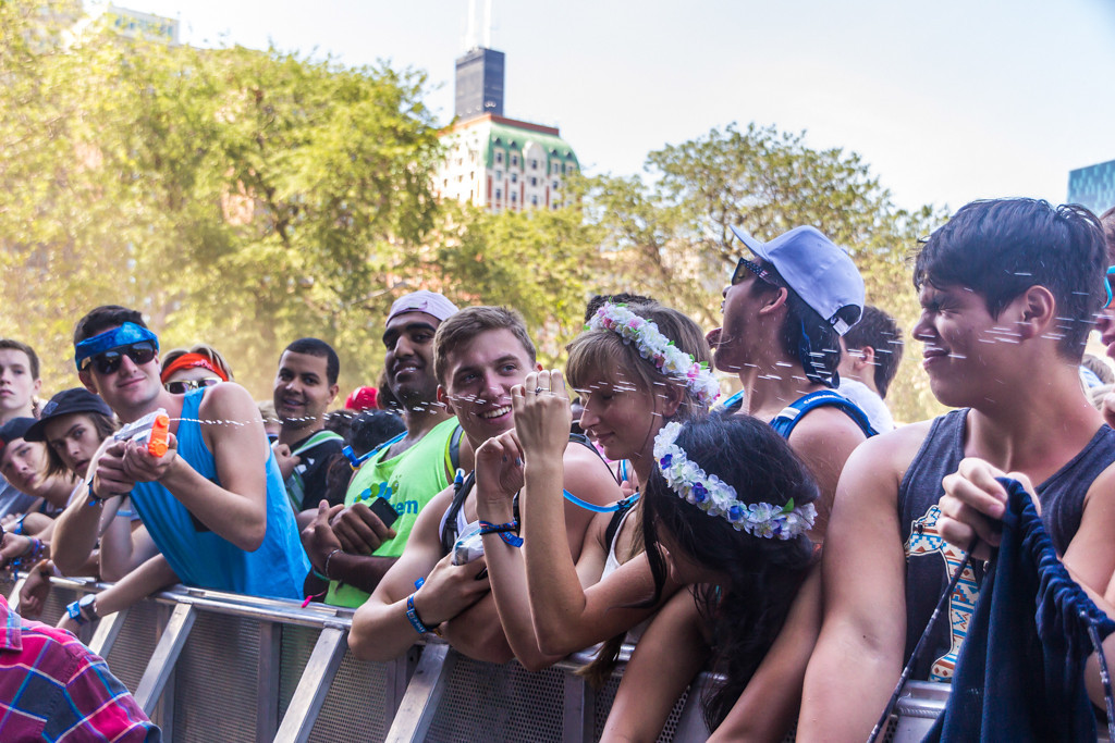 . By the third day, even fans had found ways to keep themselves - and each other - hydrated.