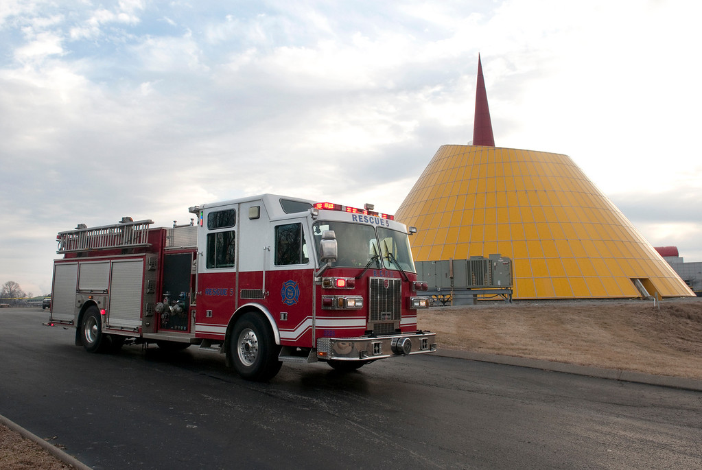 . A Bowling Green Fire Department truck moves into place Wednesday, Feb. 12, 2014,  at the scene of a sinkhole collapse inside the dome at the National Corvette Museum in Bowling Green, Ky. The sinkhole swallowed eight cars in the museum\'s collection. (AP Photo/The Daily News, Miranda Pederson)