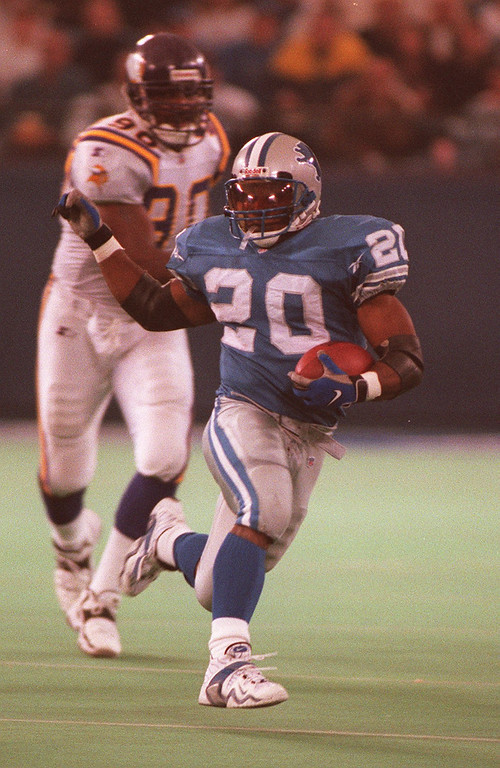 . Barry Sanders rushed for 108 yards on 19 carries against the Minnesota Vikings in a 38-15 victory.