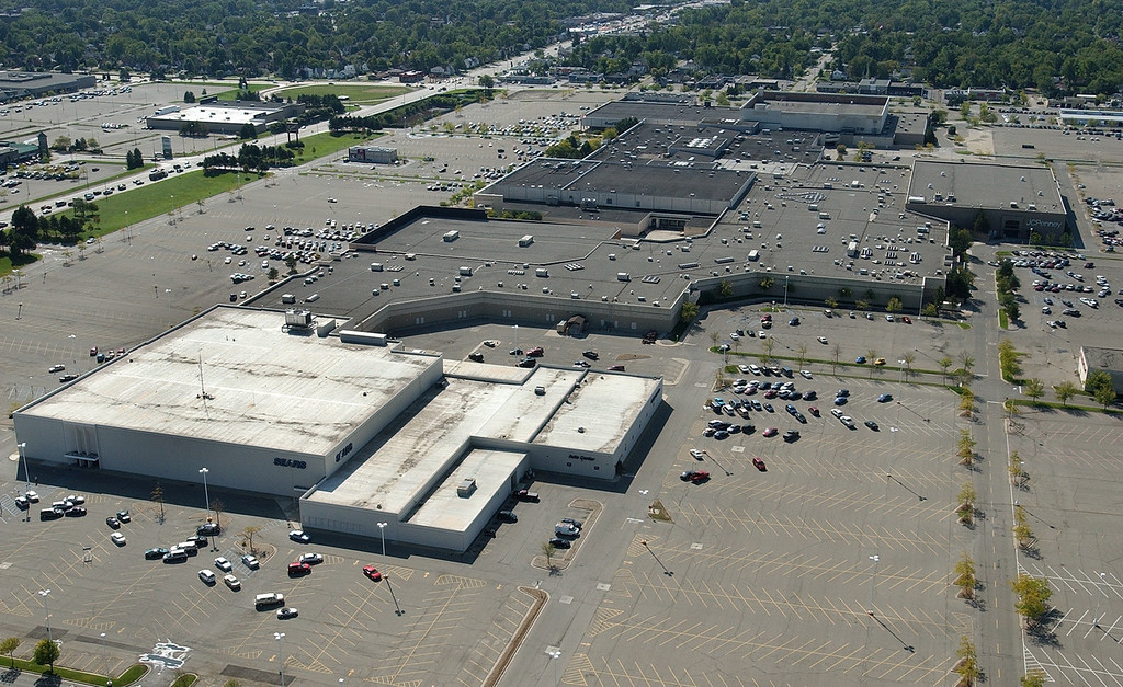 . An aerial view of Summit Place Mall in Waterford Twp., Wednesday September 21, 2005.