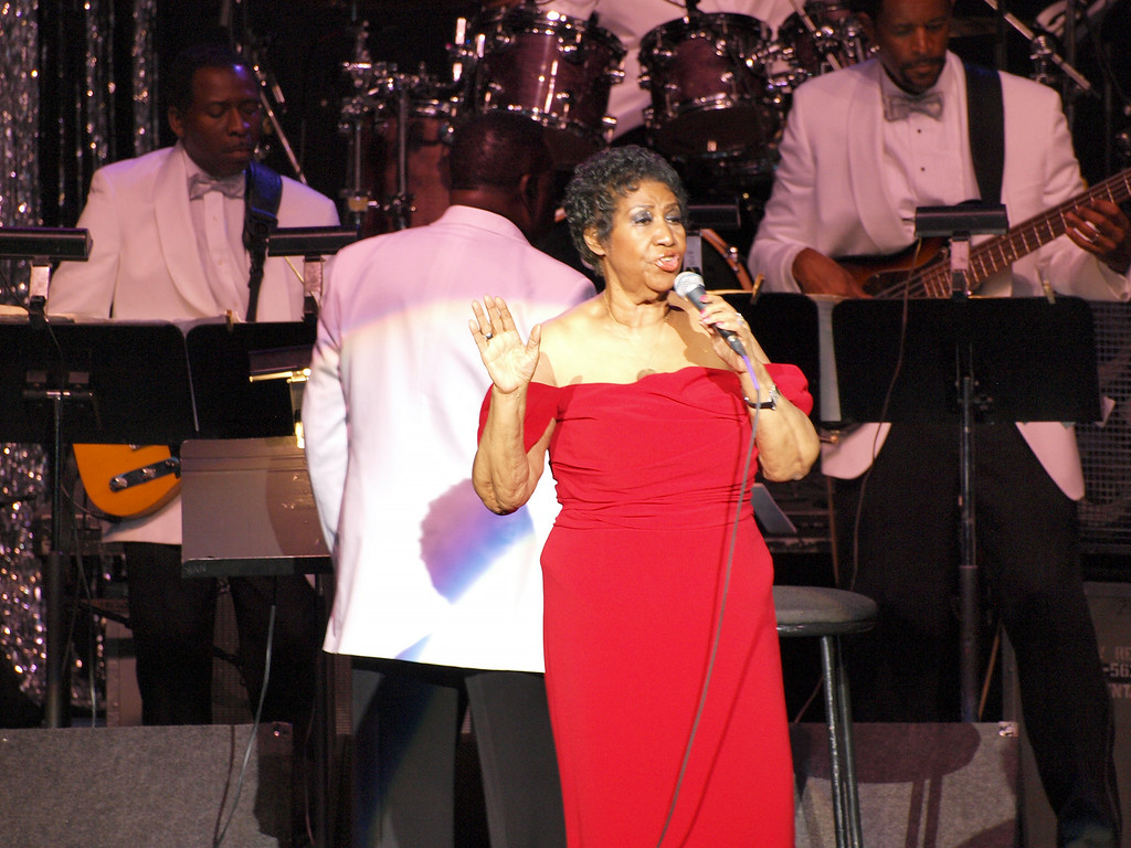 . Aretha Franklin performs at DTE Energy Music Theatre on Saturday, July 12, 2014. Photo by Chris Sebastian