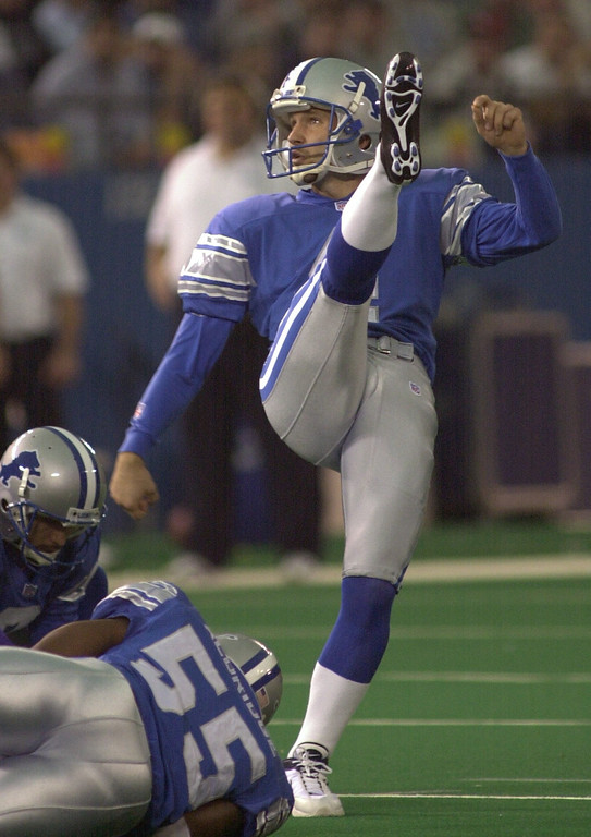 . Detroit Lions kicker Jason Hanson watches his 48 yard field goal go through the uprights during the Lions 27-24 win at the Pontiac Silverdome Sunday December 16, 2001.