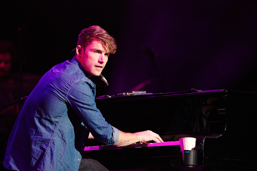 . Jon McLaughlin performs at The Palace of Auburn Hills on Saturday, Feb. 15, 2014. Photo by Ken Settle