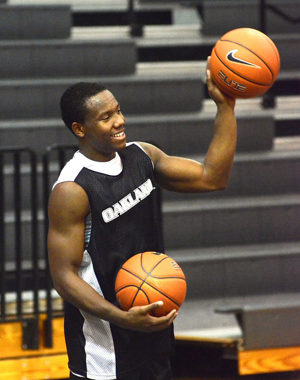 . Oakland University point guard Kahlil Felder during practice Tuesday.    Tuesday, November 5, 2013.  The Oakland Press/TIM THOMPSON