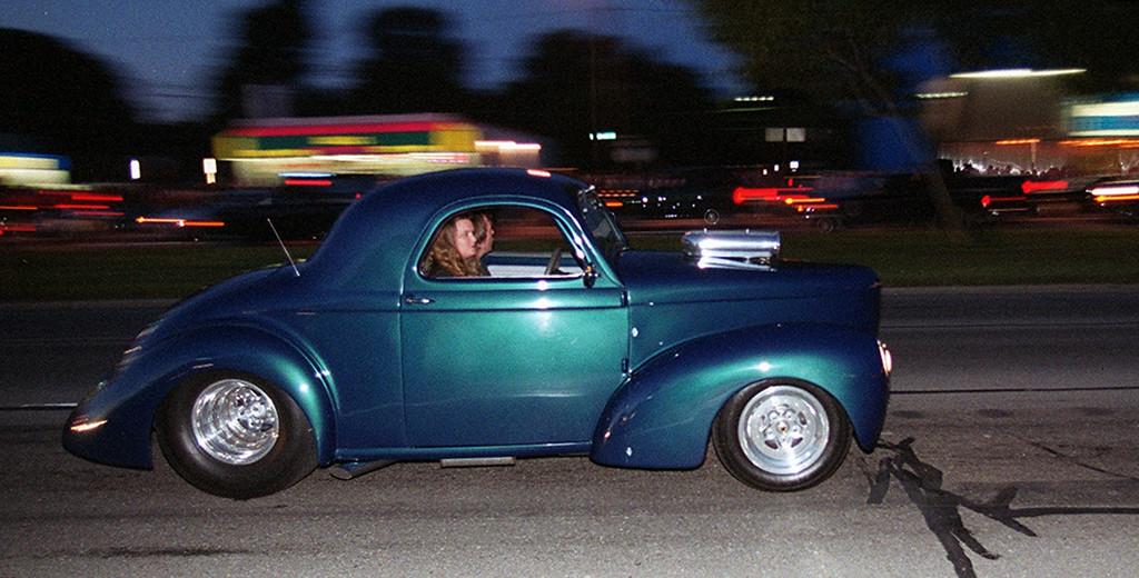 . Dream Cruisers drive along Woodward Avenue in Royal Oak Saturday night August 19, 2000.
