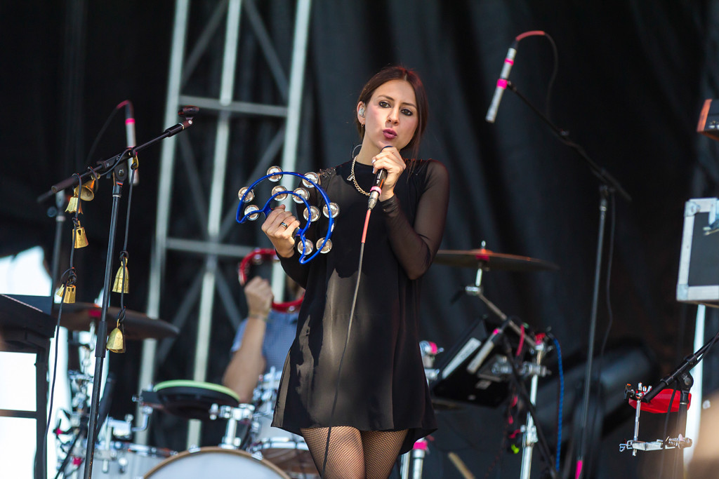 . Haerts opens Laneway Festival on the Roscoe Stage. The members of the New York-based band come from Germany, England, and the United States.
