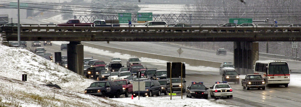 . Traffic using the Opdyke exit on M-59 is backed-up due to Sunday\'s Detroit Lions final game of the season against the Dallas Cowboys played at the Pontiac Silverdome.