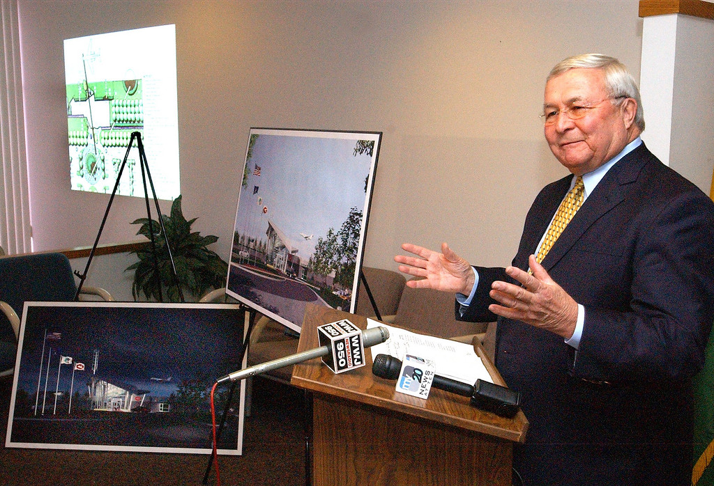 """. Oakland County Executive L. Brooks Patterson announcing plans for a new \""""Green\"""" terminal at the Oakland County International Airport in Waterford Township.  The plans are to level the existing terminal and put a new one on the same site.   The Oakland Press/TIM THOMPSON"""